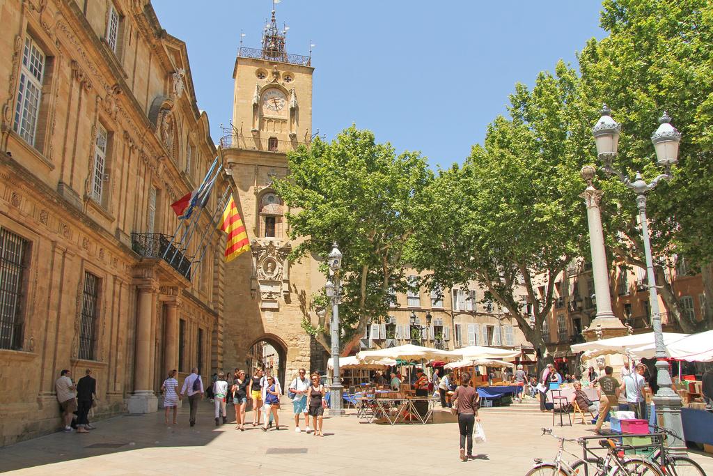 10 bonnes raisons de visiter aix en provence - Piscine d aix en provence ...